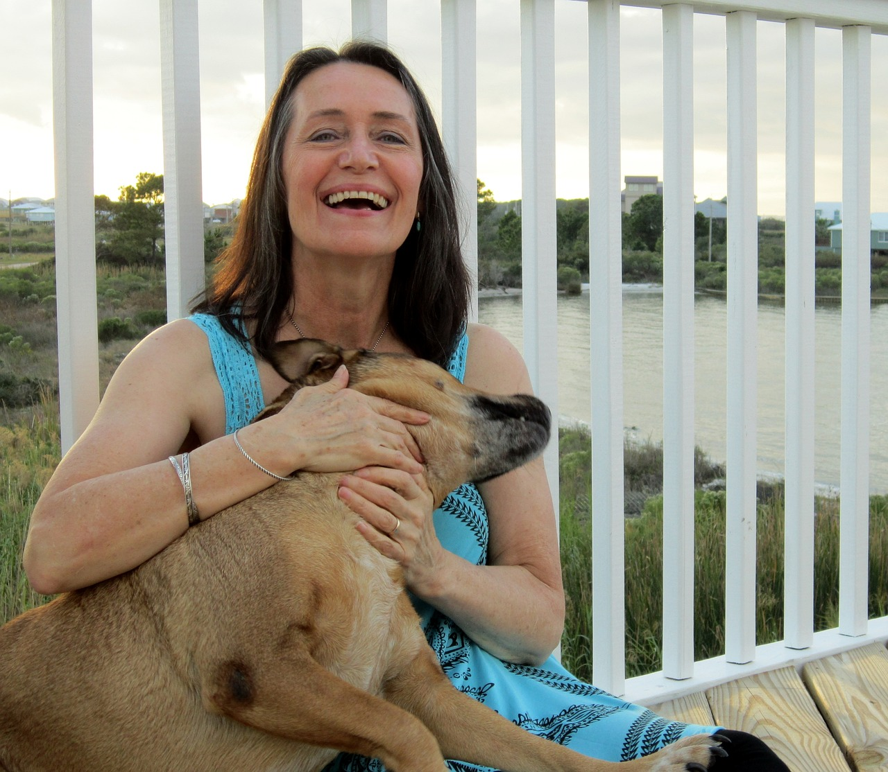 person, woman, dog-2438587.jpg